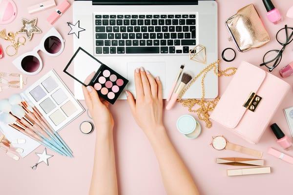 Las mejores empresas de trabajo en casa para amantes de la belleza y el maquillaje