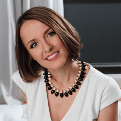 How This Mom Built a Multi-Million Dollar Business Helping Newlyweds