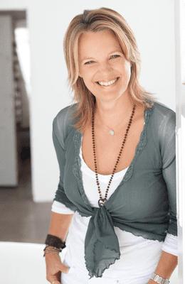 Interview with Elizabeth Irvine