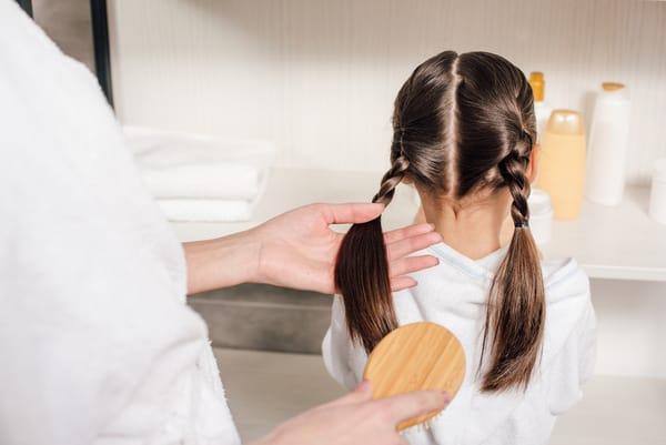 Making Rikki Money Selling Hair Brushes