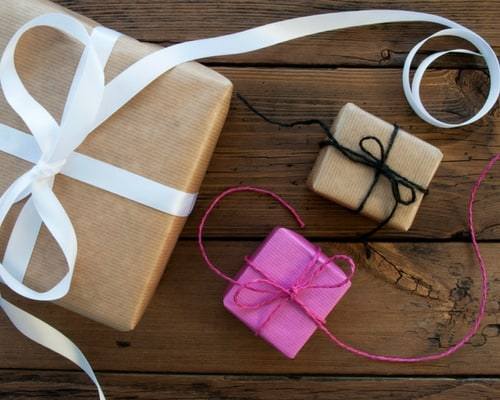 How to Give Great Client Gifts #business #Christmas #gifts